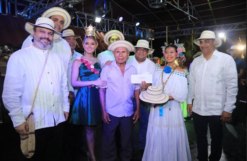 Masiva participación de artesanos en el IX Festival del sombrero Pinta'o