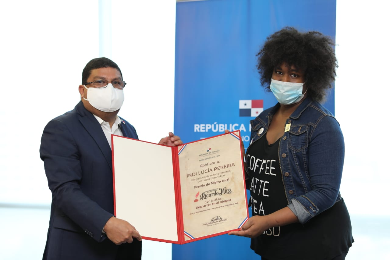 Entrega de premios de 5 concursos de Arte en Panamá