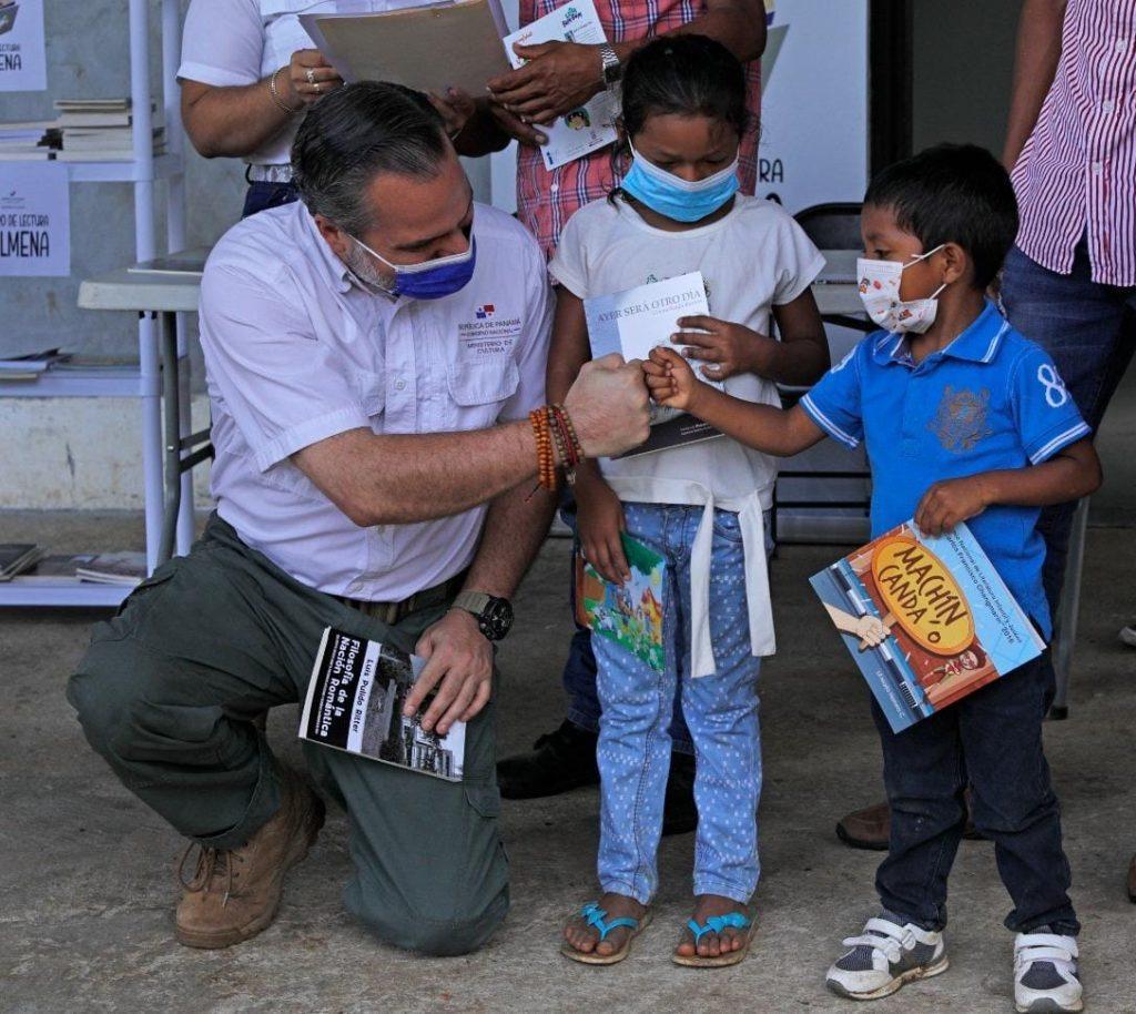 Más centros de lectura para las provincias del interior